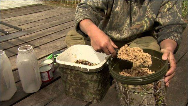 How to mix carp bait
