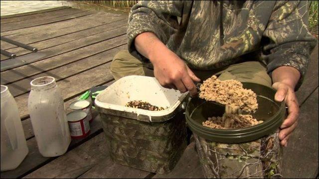How to mix carp bait